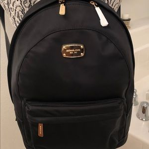 💕💕 HOST PICK 💕💕Michael Kors Back Pack